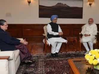 Sonia-Manmohan meet Modi,मोदी,सोनिया,मुलाकात,गतिरोध,तोड़ना,कोशिश