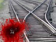 बिहार में चलती ट्रेन से दो लड़कियों को फेंका, एक की मौत