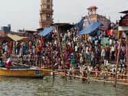 बैसाख अमावस्या पर ब्रजघाट गंगा में लाखों  ने लगाई डुबकी