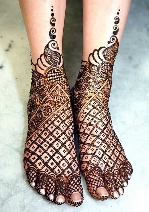 Mehndi Designs Upload : This teej go for top mehandi design of cover story