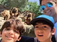 CUTE PHOTO: जब रितिक ने दोनों बेटों के साथ लगाए Push-Ups