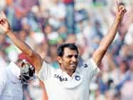 सबसे तेजी से 50 विकेट लेने वाले Fast bowler बने शमी, प्रसाद की बराबरी