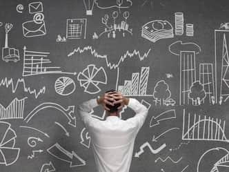 कहीं सफलता के आड़े तो नहीं आ रही Overthinking की आदत