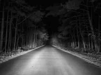 पांच सबसे डरावनी सड़कें जहां से गुजरने पर लगता है लोगों को डर