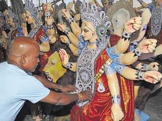 इस बार अश्व पर आ रहीं हैं मां दुर्गा, 2 शनिवार ला रहे हैं ये खुशियां