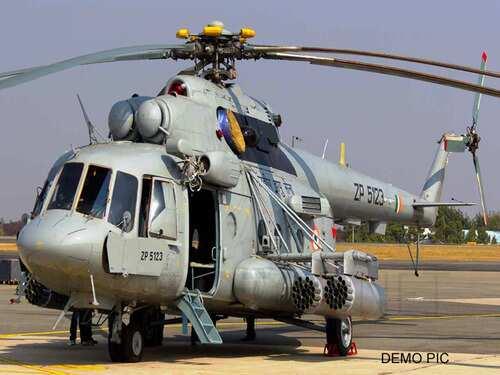 उत्तराखंड में वायुसेना का MI-17 हेलीकॉप्टर क्रैश, चालक दल सुरक्षित
