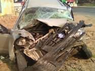 कार और ट्रैक्टर की भिड़ंत में तीन की मौत