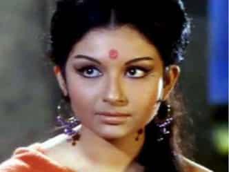 B'DAY SPL: शर्मिला को देखते ही दिल दे बैठे थे पटौदी