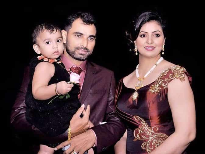 मोहम्मद शमी की पत्नी की PHOTOS पर भद्दे कमेंट्स, सपोर्ट में आए कैफ
