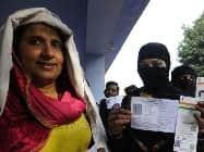 UP में 67 सीटों व उत्तराखंड की 69 सीटों के लिए वोटिंग शुरू