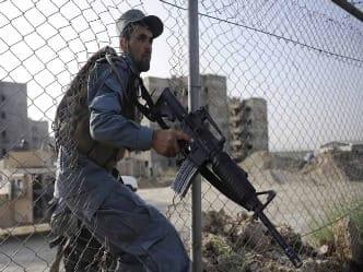 काबुल के सैन्य अस्पताल में डॉक्टर बन घुसे आतंकी, 30 लोगों की मौत