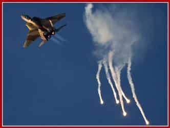 इजरायल की बमबारी के जवाब में सीरिया ने लड़ाकू विमान मार गिराया
