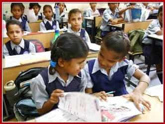 केंद्रीय विद्यालयों में अब सिर्फ गरीब बच्चों का एडमिशन, दिए गए सख्त निर्देश