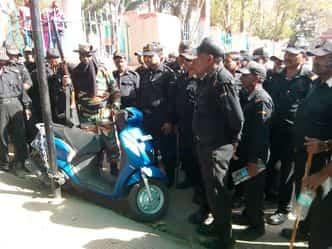 डॉक्टरों ने दिखाई दबंगई, पार्किंग से मना किया तो गार्ड को पीटा
