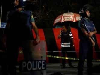 आतंकवाद: ढाका हवाईअड्डे पर सुसाइड अटैक, ISIS ने ली जिम्मेदारी