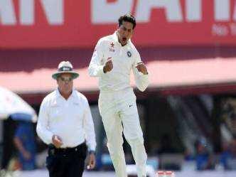 INDvsAus: कुलदीप की कामयाबी पर कोच का बयान, कहा पाकिस्तानी गेंदबाज...