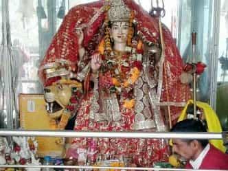 कुंजापुरी: यहां देवी की मूर्ति नहीं, स्थापित है शिलारूप पिण्डी
