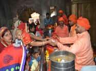 देवी मंदिरों में अष्टमी को हुई विशेष पूजा, श्रद्धालुओं ने लगाए जयकारे