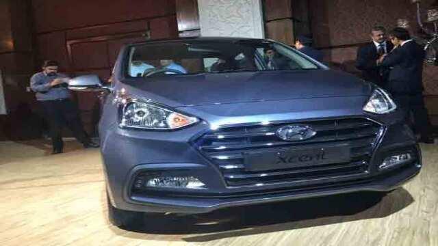 हुंडई ने नई एक्सेंट की लॉन्च, 2018 तक हाइब्रिड कार भी बाजार में उतारेगी