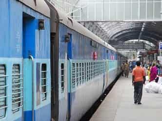 Hindi News: मेगा एप: रेल टिकट से प्लेटफार्म तक की हर जानकारी देगा 'हिन्द रेल'