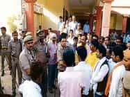 प्रतापगढ़ में सपा नेता से गालीगलौच, खंभे से बांधकर पीटा