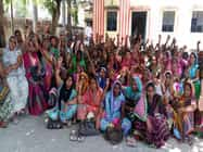 गाजीपुर: आंगनबाड़ी कार्यकत्रियों ने किया धरना प्रदर्शन