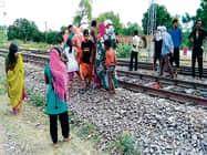 प्रतापगढ़ में ट्रेन के सामने युवती ने लगाई छलांग