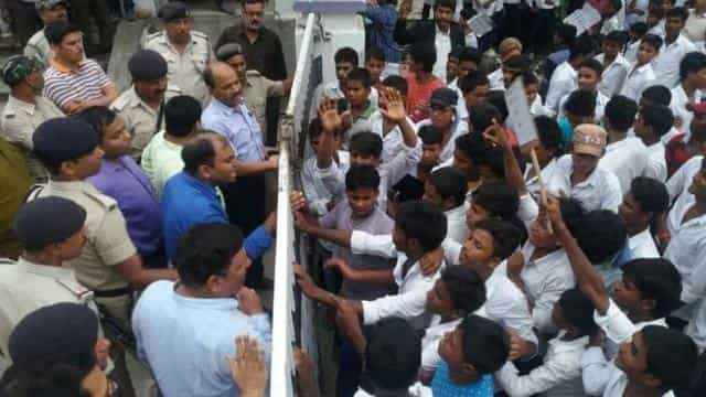 rampage of student in bhagalpur DRDA