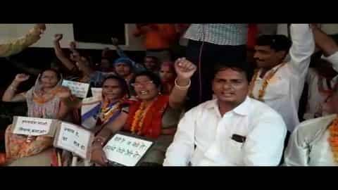 आंदोलन: 21 को लखनऊ में और 25 को दिल्ली में प्रदर्शन करेंगे शिक्षामित्र II up shikshamitra protest
