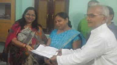 Primary, teacher, association, handed over, demand letter, Deputy CM, wife