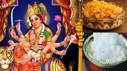 VIDEO नवरात्र में किसी भी दिन इन चीजों से लगाएं देवी मां को भोग, हर काम में मिलेगी सफलता