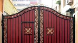 नवरात्रि में मुख्य दरवाजे पर टांग दें ये, फिर देखें कमाल
