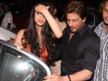 Suhana khan lokking so cute with dad shahrukh
