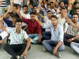 बाजपुर में 40 परसेंट पर एडमिशन पर अड़े छात्र