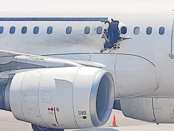 14,000 फीट पर विमान में धमाका