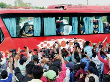 भारत और न्यूजीलैंड के बीच 26 अक्टूबर को रांची के झारखंड स्टेट क्रिकेट एसोसिएशन ग्राउंड में चौथा एकदिवसीय अंतरराष्ट्रीय मैच   खेला जायेगा और इसके लिये दोनों टीमें सोमवार को चार्टड प्लेन से रांची पहुंच गईँ।