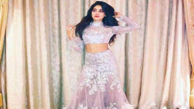 Must Watch:श्रीदेवी की बेटी जाह्नवी का ये वीडियो तेजी हो रहा है वायरल