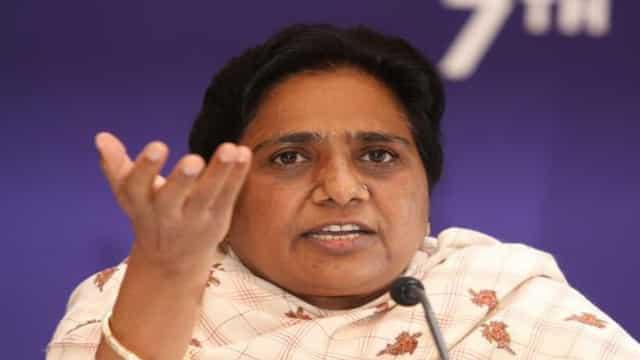 भाजपा-सपा विधानसभा चुनाव के मद्देनजर विश्वविद्यालयों का माहौल खराब कर रहे : मायावती