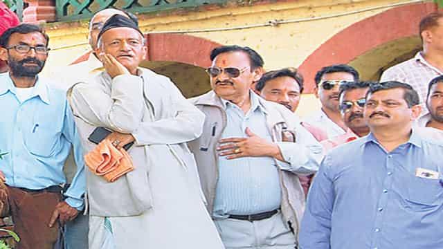 भाजपा कोर कमेटी बैठक: कोश्यारी आए नहीं, खंडूड़ी चले गए
