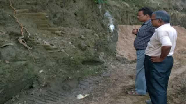 बाढ़ से पुरातात्विक स्थल चिरांद को भी नुकसान, अफसरों ने किया मुआयना
