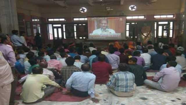 गोरक्ष पीठ मंदिर में लाइव देखा गया योगी आदित्यनाथ का शपथ ग्रहण समारोह