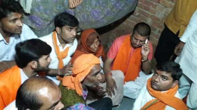 जब मुख्यमंत्री योगी ने संभल के पीड़त परिवार को फोन पर बंधाया ढाढ़स