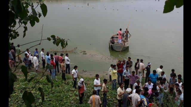 Four youths drowned in river Hardoi, found bodies of two, tried to find two