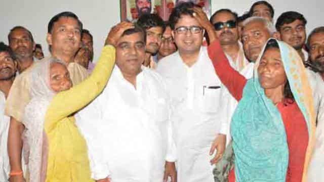फर्रुखाबाद सदर विधायक मेजर सुनीलदत्त द्विवेदी।