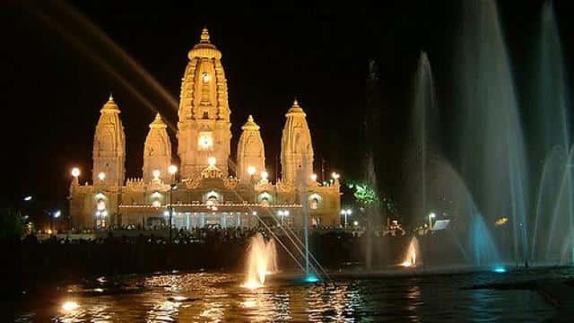 विश्व प्रसिद्ध कानपुर का जेके मंदिर।