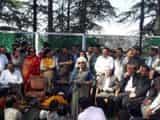 मुख्यमंत्री वीरभद्र सिंह अर्की सीट से चुनाव लड़ रहे हैं।