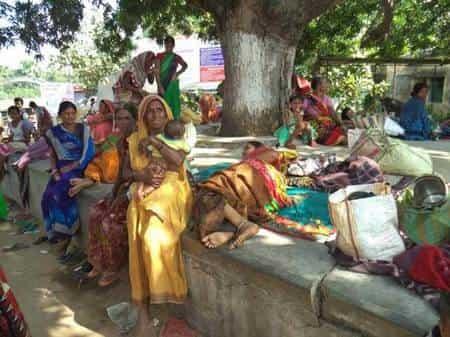 शाहकुंड पीएचसी से दवा और सूई नहीं मिलने पर हंगामा