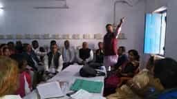 जनप्रतिनिधियों पर केस कराने के विरोध में बोचहां पंस की बैठक में हंगामा