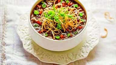 रेसिपी: घर पर बनाएं रेस्टोरेंट जैसा वेज मंचाउ सूप