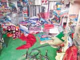 सुप्पी में कपड़ा दुकान से नकद  एक लाख रुपये के कपड़े चोरी
